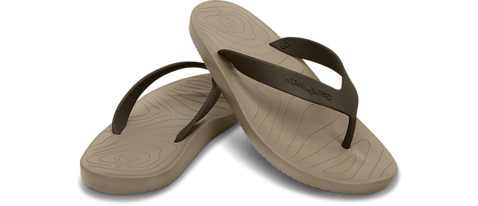 Chanclas de hombre Chanclas de hombre para ir a la playa o la piscina. Con el buen tiempo buscamos llevar un calzado que sea cómodo y fresco, sin duda las chanclas reúnen las dos características.